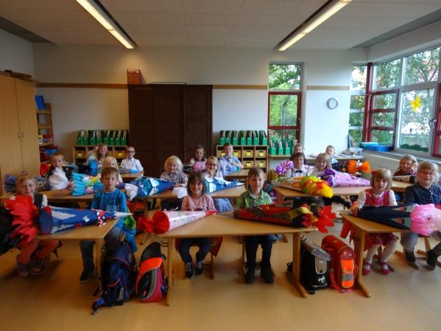 Schulkinder am ersten Schultag