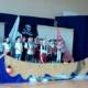 Kinder gestalten die Einschulungsfeier